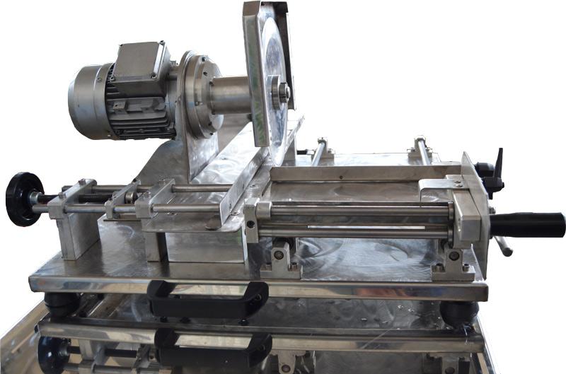 Taglia lamiera manuale usata